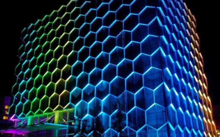 پیمانکار نما . اصول نورپردازی در اجرای نمای ساختمان