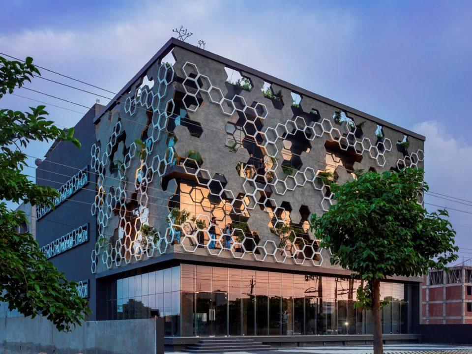 نما سازی ساختمان تجاری باید چگونه باشد؟