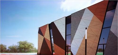 اجرای نمای ضد باران ساختمان با پنل اچ پی ال
